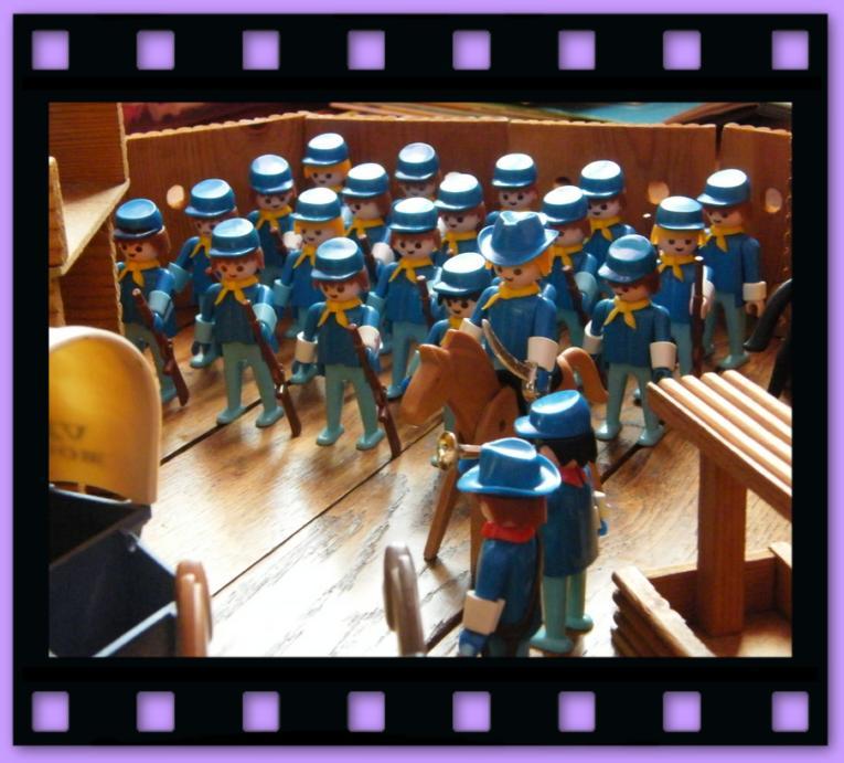 tuniques bleus vintages playmobil
